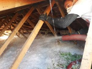Soufflage laine minérale blanche non irritante - Ambassade du toit